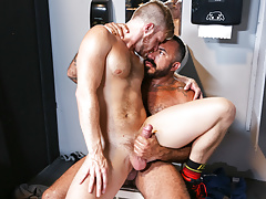 Gym Gloryhole - Alessio..